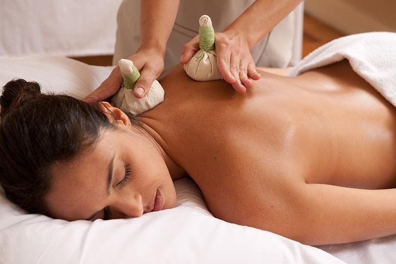 Massagem com Pindas Chinesas Jardim Jamaica - Massagem para Reduzir Medidas